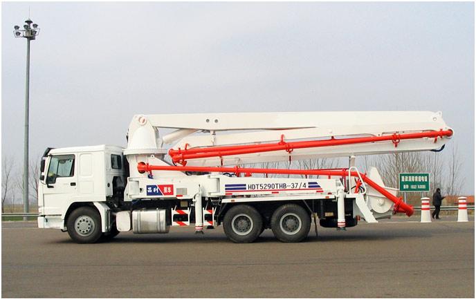 boom concrete pump truck