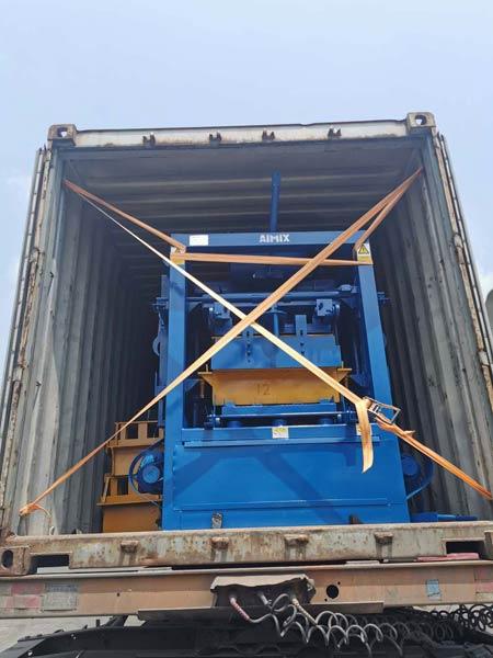 Transporting Brick Machine